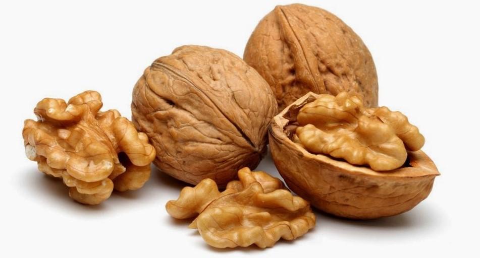 vitaminas en nueces para las uñas
