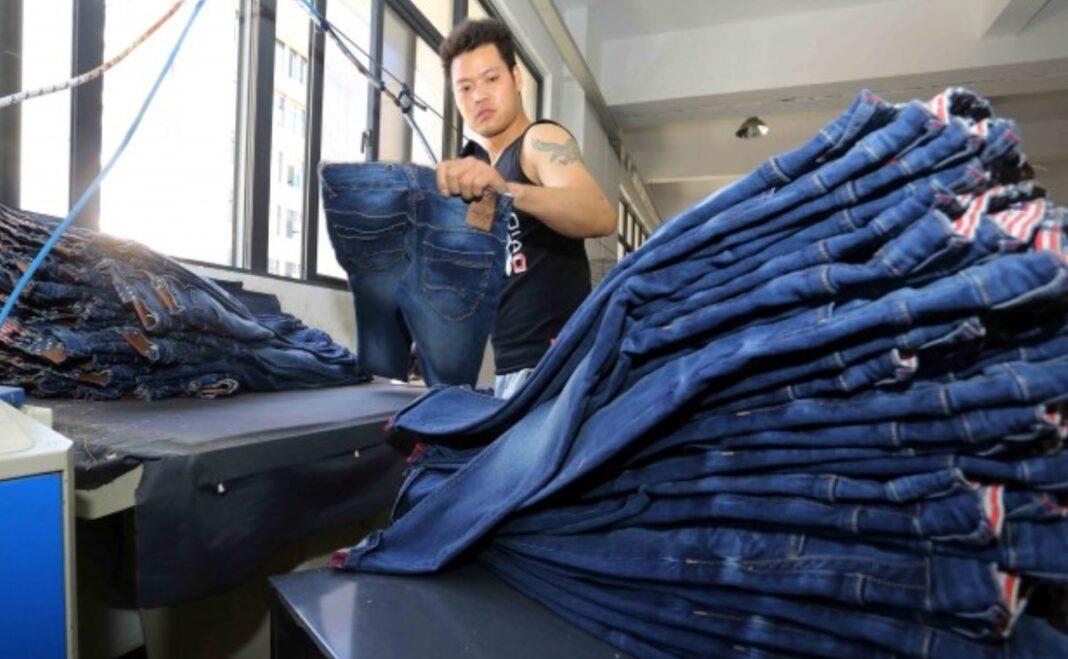'Ropa peligrosa', las últimas acusaciones de China en su campaña contra Zara H&M y Nike
