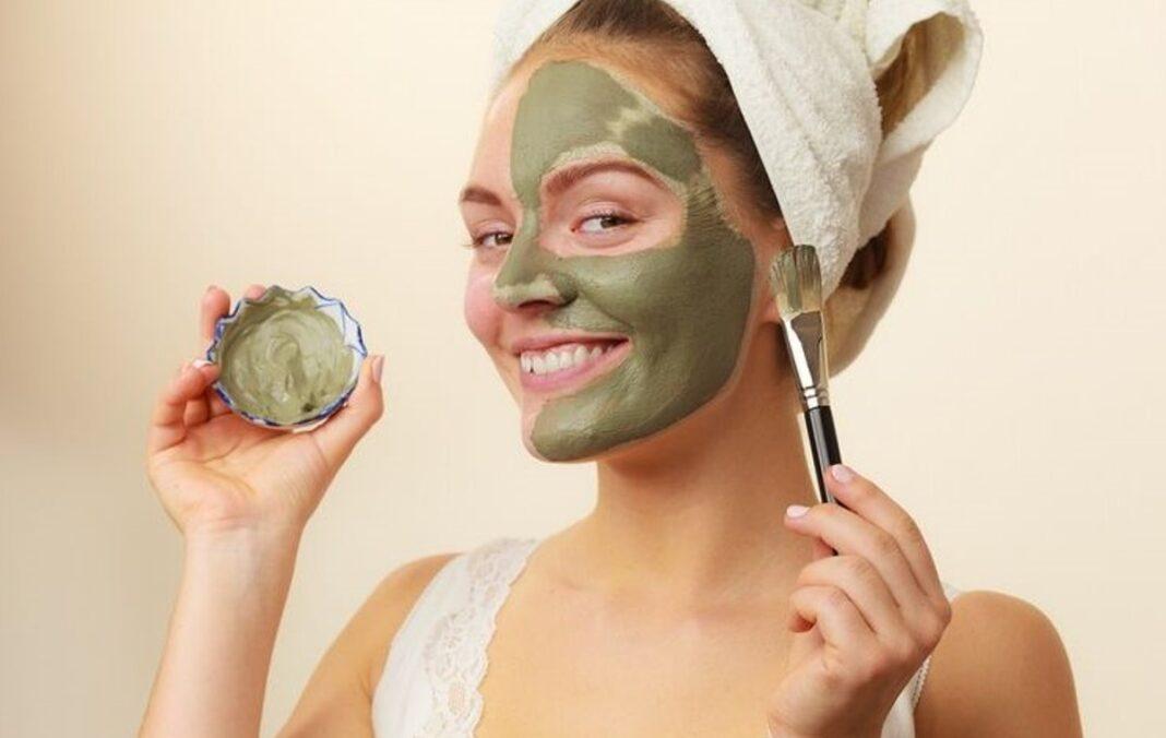 beneficios de la mascarilla de te verde en la piel mujer|
